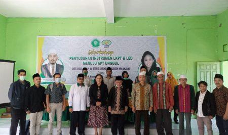 Penyelenggaraan Workshop Penyusunan LKPT dan LED STMIK Syaikh Zainuddin NW